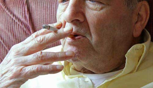 Why Your Senior Loved One in Waterloo, CAN Should Quit Smoking